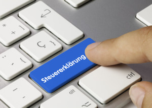 Steuererklärung Tastatur Finger